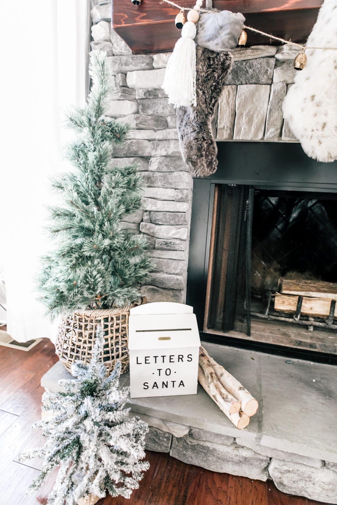 neutral holiday decor